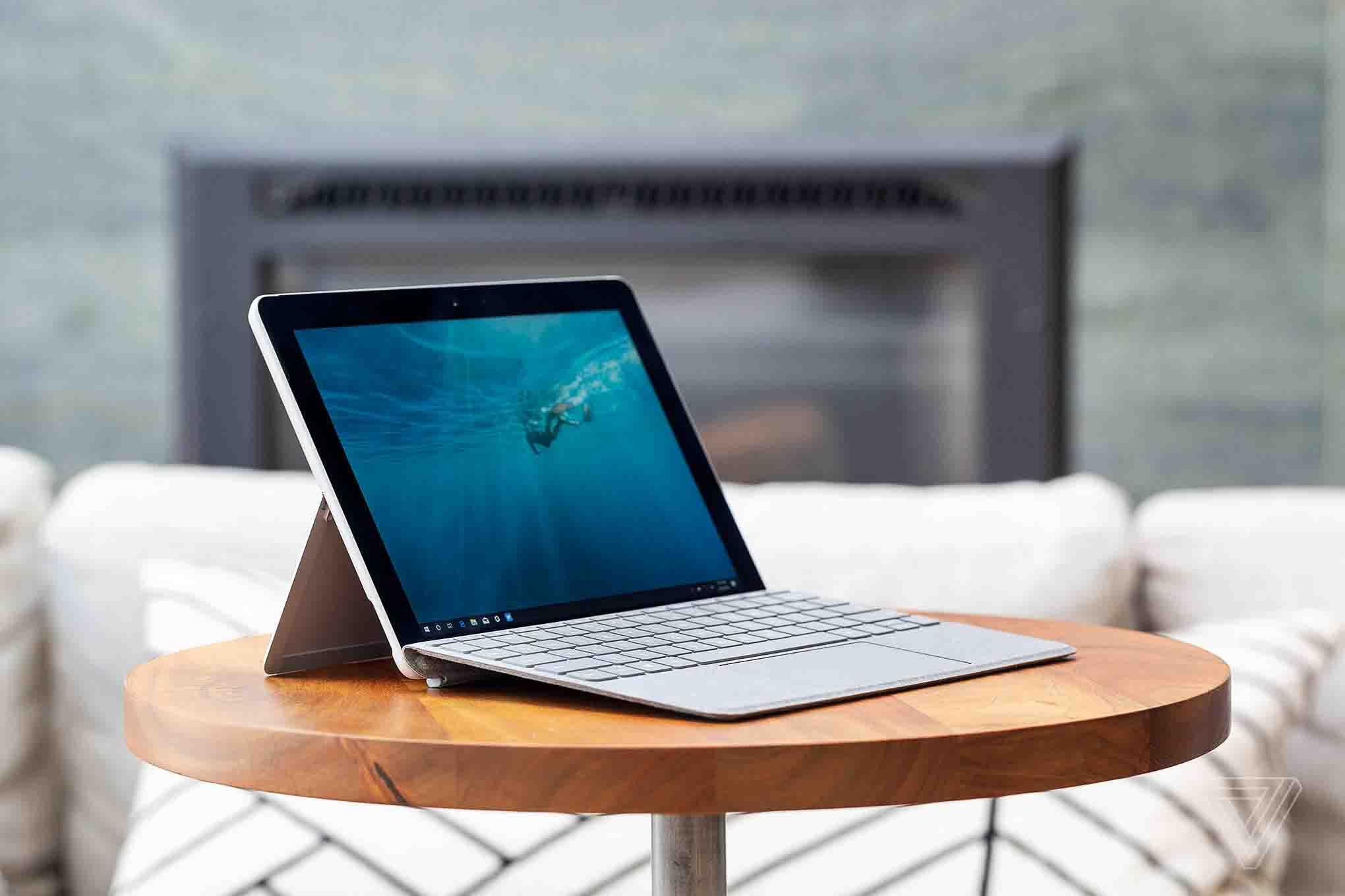 Microsoft-Surface-Go-computer